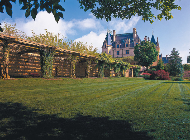 Crowne Plaza Resort Asheville-The gardens on the Biltmore Estate are an amazing escape!<br/>Image from Leonardo