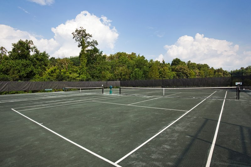 Crowne Plaza Resort Asheville-Up for a match?! Play tennis on one of our 16 courts! <br/>Image from Leonardo
