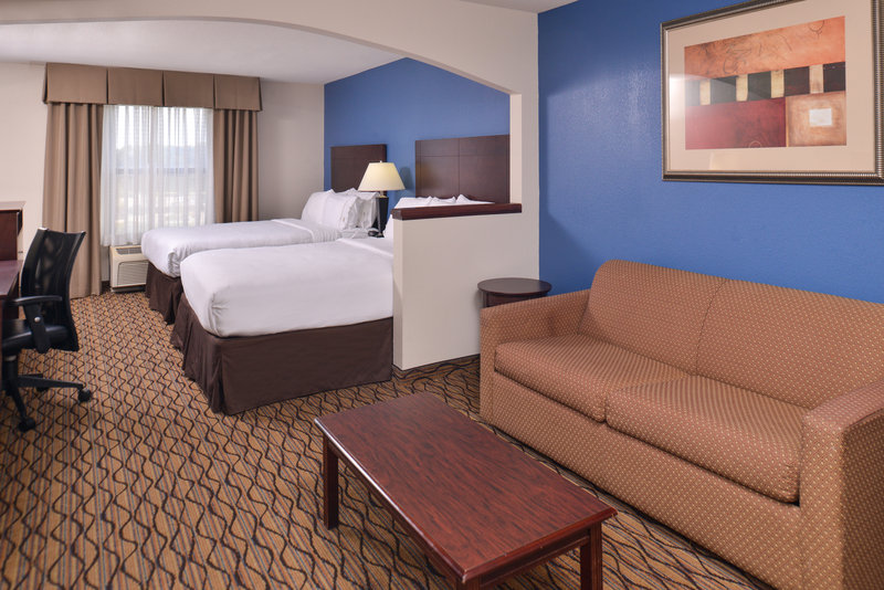 Holiday Inn Express Omaha West - 90th Street-Guest Room<br/>Image from Leonardo