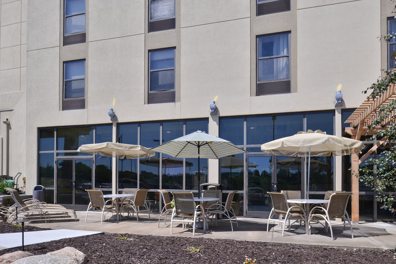 Holiday Inn Express Omaha West - 90th Street-Guest Patio<br/>Image from Leonardo