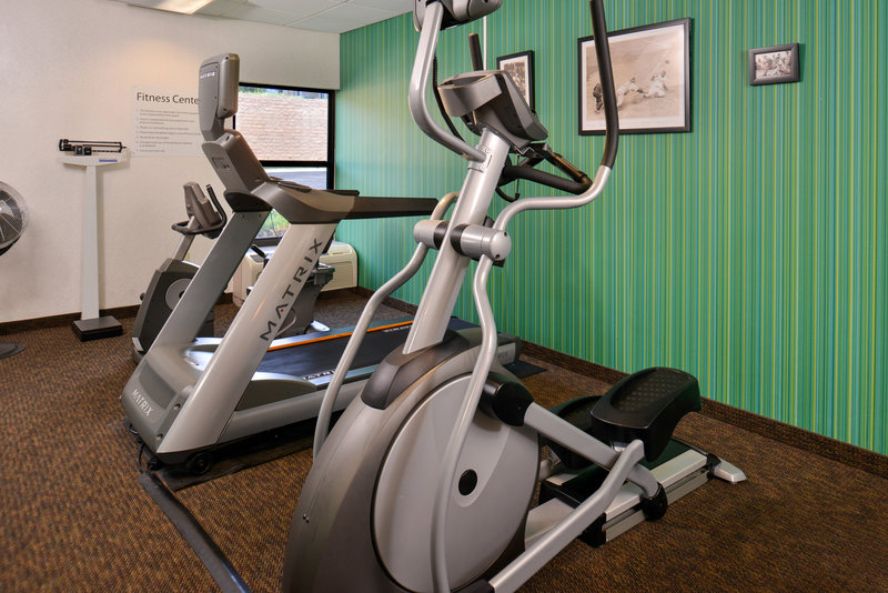 Holiday Inn Express Omaha West - 90th Street-Fitness Center<br/>Image from Leonardo
