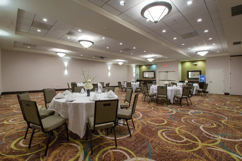Holiday Inn Hotel & Suites Bloomington - Airport-New seating with new carpeting and neutral, linen wallpaper.<br/>Image from Leonardo