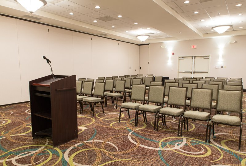 Holiday Inn Hotel & Suites Bloomington - Airport-Theater seating available for 300+ in our spacious meeting rooms<br/>Image from Leonardo