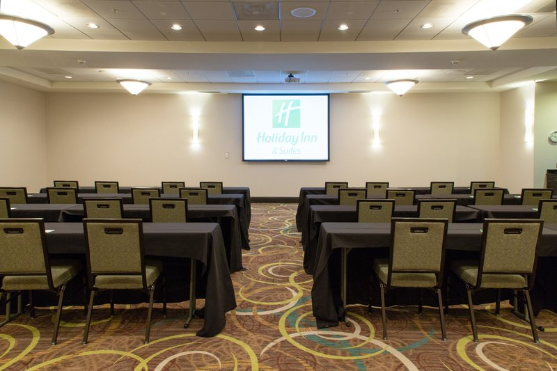 Holiday Inn Hotel & Suites Bloomington - Airport-New LCD projectors and new comfort chairs for those long meetings<br/>Image from Leonardo