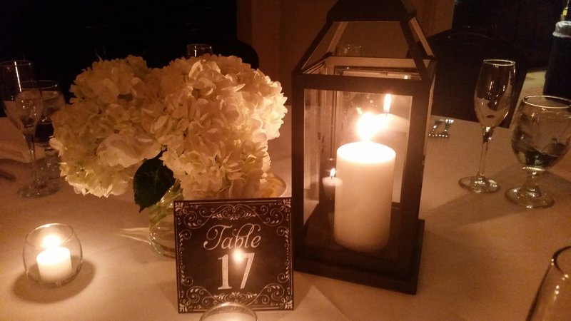 Holiday Inn Hotel & Suites Bloomington - Airport-Center Pieces available for a min. fee<br/>Image from Leonardo
