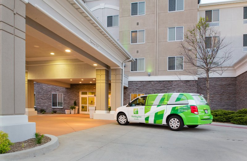Holiday Inn Hotel & Suites Bloomington - Airport-Shuttle service 24/7 within 5 miles, upon availability<br/>Image from Leonardo