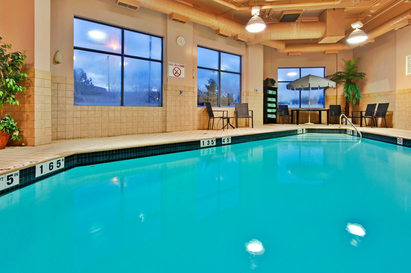 Holiday Inn Hotel & Suites Mississauga West - Meadowvale-Swimming Pool<br/>Image from Leonardo