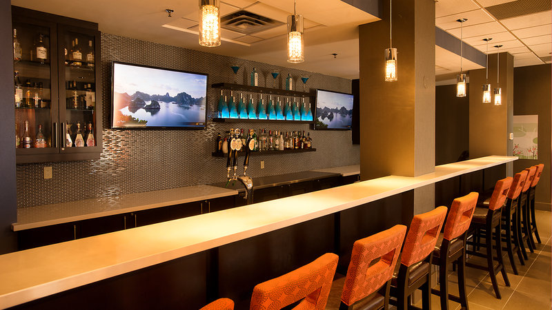 Holiday Inn Hotel & Suites Mississauga West - Meadowvale-Restaurant Lounge<br/>Image from Leonardo