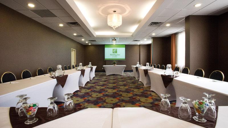 Holiday Inn Hotel & Suites Mississauga West - Meadowvale-McKenzie  Room<br/>Image from Leonardo