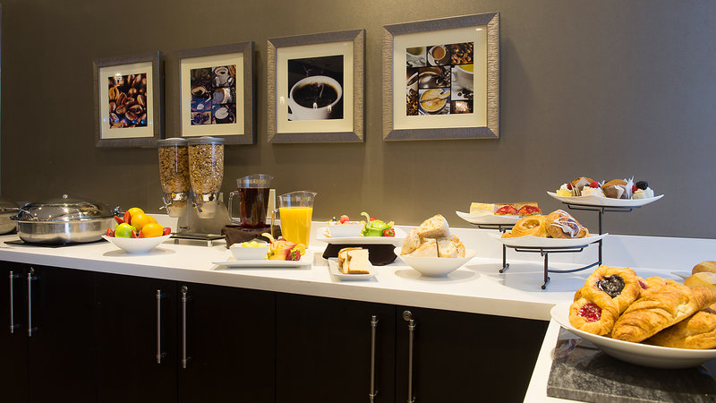 Holiday Inn Hotel & Suites Mississauga West - Meadowvale-Breakfast Bar In the Hotel Restaurant<br/>Image from Leonardo