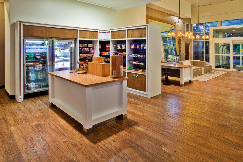 Holiday Inn Gwinnett Center-Holiday Inn Gwinnett Center Gift Shop<br/>Image from Leonardo