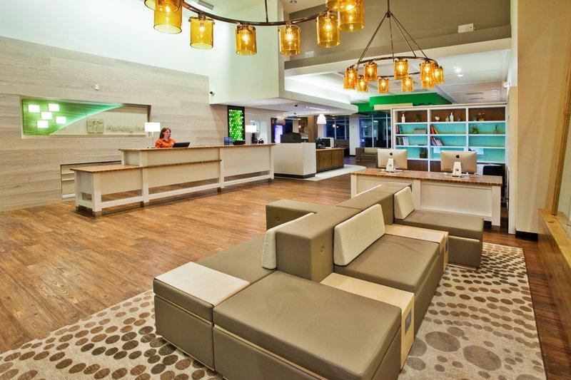Holiday Inn Gwinnett Center-Holiday Inn Gwinnett Center Lobby<br/>Image from Leonardo