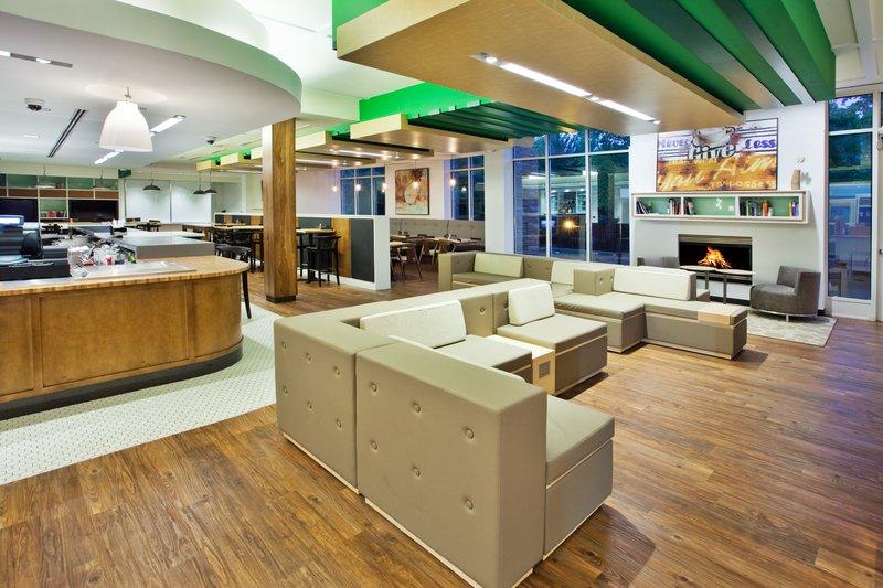 Holiday Inn Gwinnett Center-Holiday Inn Gwinnett Center Lobby Lounge<br/>Image from Leonardo