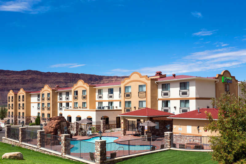 Holiday Inn Express & Suites Moab-Outdoor Pool, Hot Tub and Fire Pit available for your enjoyment!<br/>Image from Leonardo