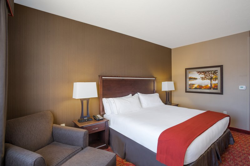 Holiday Inn Express & Suites Moab-King Guest Room<br/>Image from Leonardo