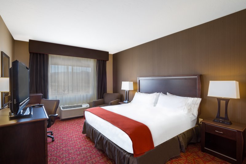 Holiday Inn Express & Suites Moab-ADA/Handicapped accessible King Guest Room<br/>Image from Leonardo