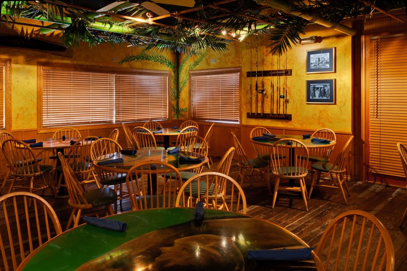 Holiday Inn & Suites Clearwater Beach S Harbour-Our Hemingway room is perfect for small gatherings<br/>Image from Leonardo