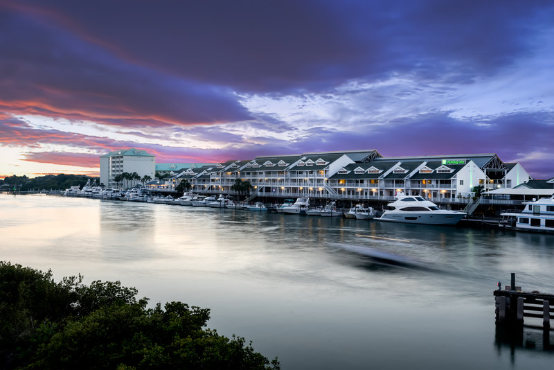 Holiday Inn & Suites Clearwater Beach S Harbour-Enjoy beautiful sunsets during your trip to Indian Rocks Beach.<br/>Image from Leonardo
