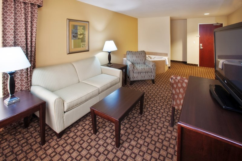Holiday Inn Quincy East-The living room of our spacious Whirlpool Suite.<br/>Image from Leonardo