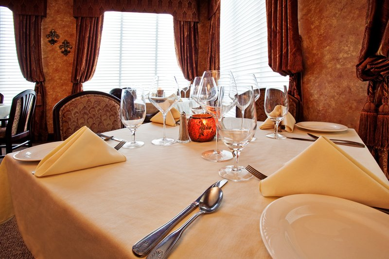 Holiday Inn Quincy East-The Lake Room fine dining and private party room.<br/>Image from Leonardo