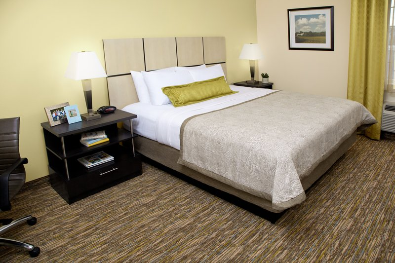 Candlewood Suites Arlington-Queen Bed Guest Room<br/>Image from Leonardo