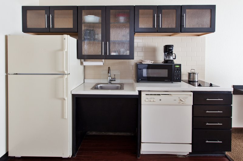 Candlewood Suites Arlington-One Bedroom Suite Kitchen<br/>Image from Leonardo