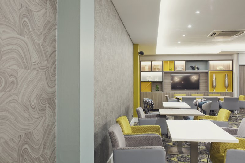 Holiday Inn Newcastle-Jesmond-Plenty of tables to eat at<br/>Image from Leonardo
