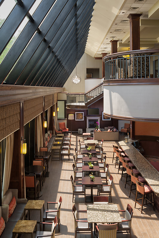 Crowne Plaza Dallas Galleria - Addison-Enjoy the convenience of dining on site <br/>Image from Leonardo