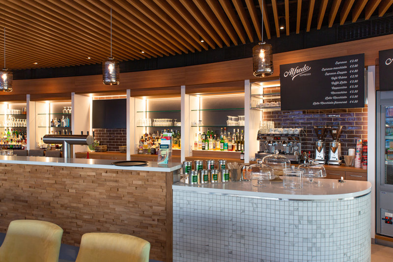 Berlin Airport Conference Centre-Lobby Bar<br/>Image from Leonardo
