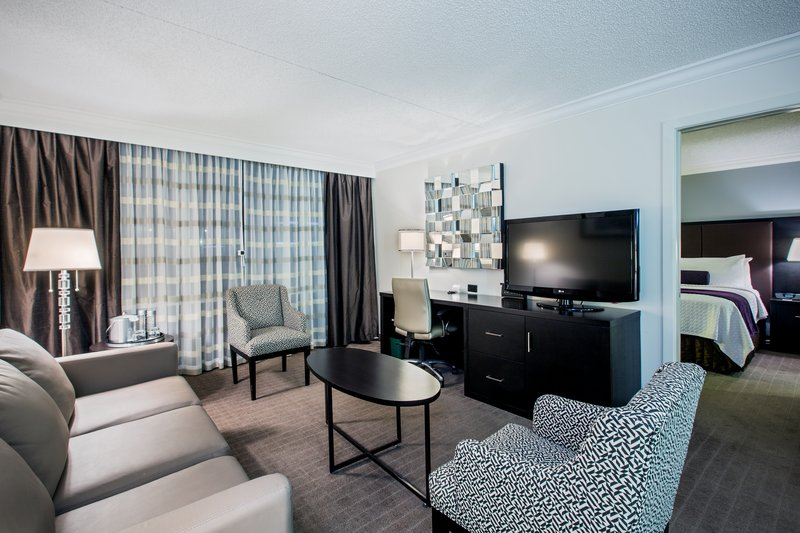 Crowne Plaza Suffern-Mahwah-King Suite<br/>Image from Leonardo