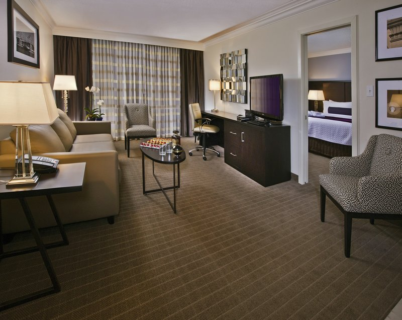Crowne Plaza Suffern-Mahwah-Club Suite<br/>Image from Leonardo