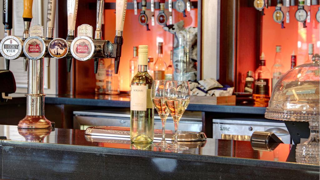 Holiday Inn Fareham - Solent-Lobby Bar<br/>Image from Leonardo