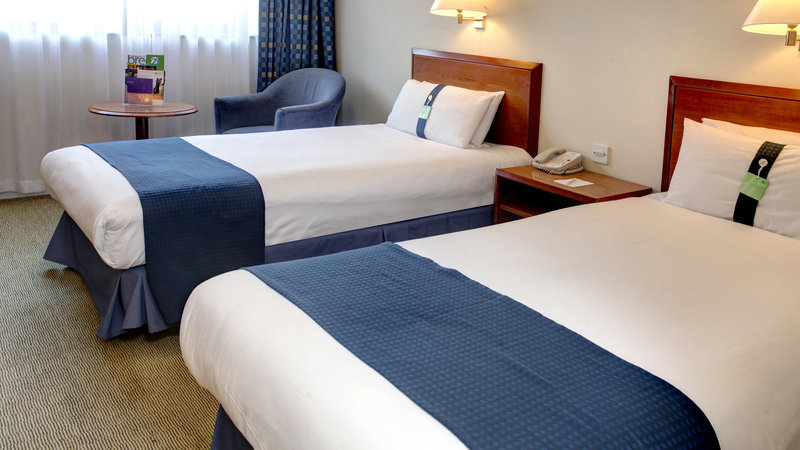 Holiday Inn Fareham - Solent-Our hotel room has two single beds<br/>Image from Leonardo