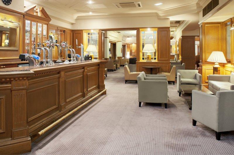 Holiday Inn Maidstone - Sevenoaks-Lounge and Bar Area<br/>Image from Leonardo