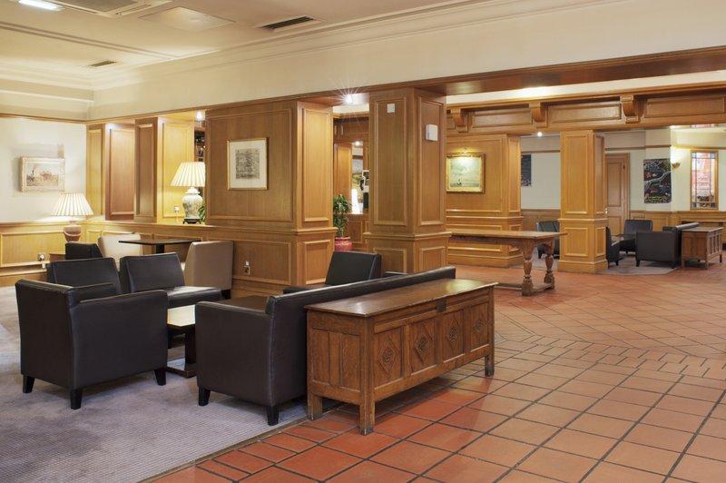 Holiday Inn Maidstone - Sevenoaks-Take a seat in our lobby...<br/>Image from Leonardo