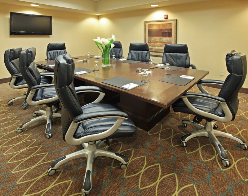 Holiday Inn Little Rock - Airport - Conf Ctr-The O'Hare Board Room is technically equipped.<br/>Image from Leonardo