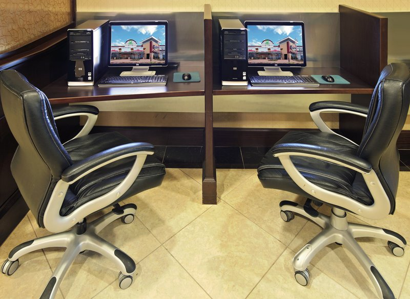 Holiday Inn Little Rock - Airport - Conf Ctr-The open area business center in the lobby is an asset.<br/>Image from Leonardo
