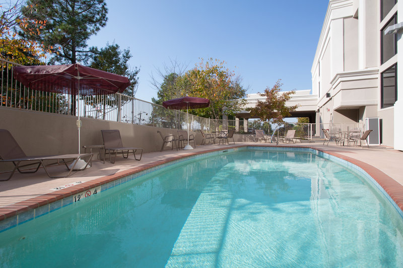 Holiday Inn Little Rock - Airport - Conf Ctr-Swimming Pool<br/>Image from Leonardo