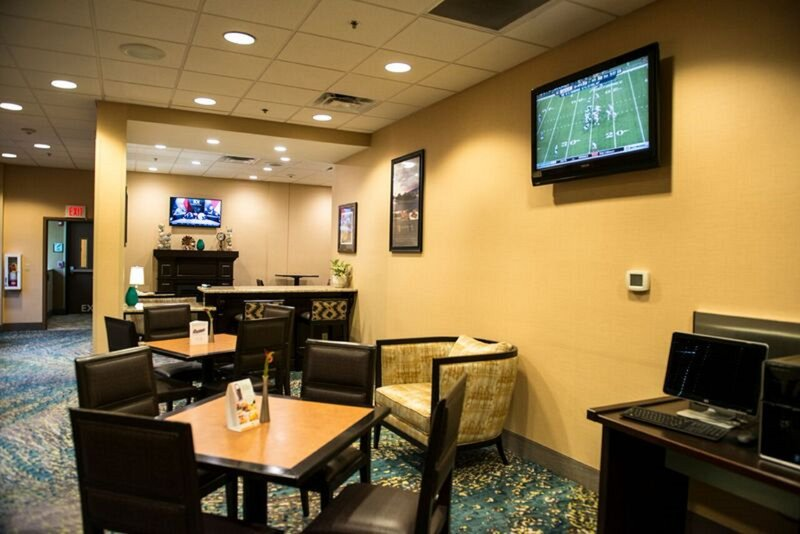 Holiday Inn Little Rock - Airport - Conf Ctr-Guest Lounge<br/>Image from Leonardo
