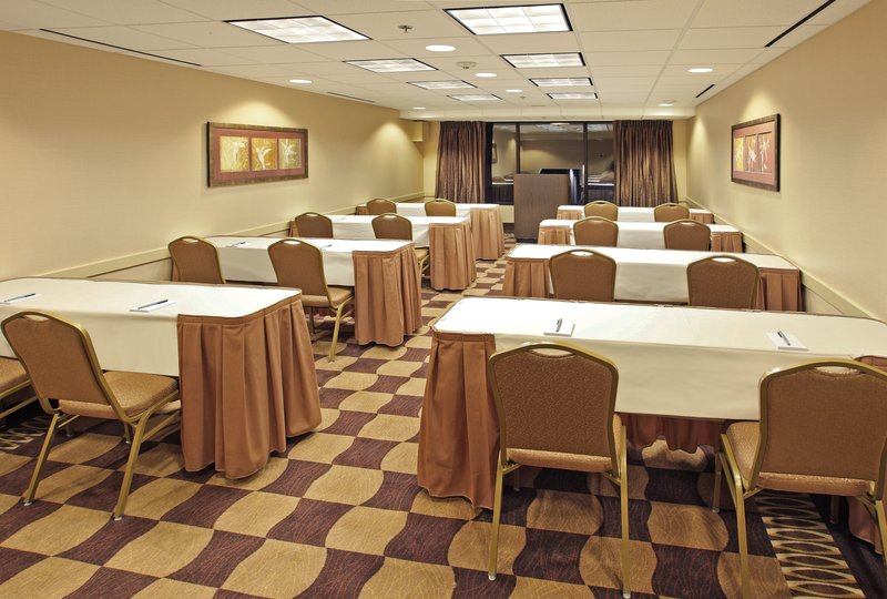 Holiday Inn Little Rock - Airport - Conf Ctr-Your desired set up is how we arrange it.<br/>Image from Leonardo