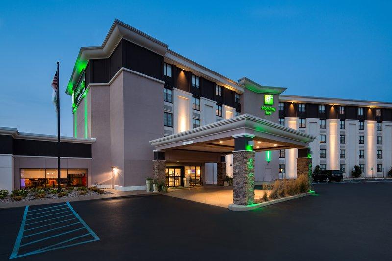 Holiday Inn Milwaukee Riverfront-Hotel Exterior<br/>Image from Leonardo