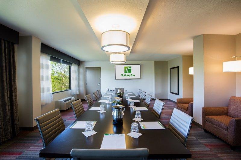 Holiday Inn Milwaukee Riverfront-Boardroom<br/>Image from Leonardo