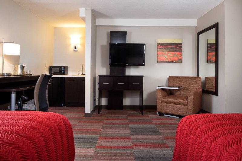Holiday Inn Milwaukee Riverfront-Double Superior with Fridge, Microwave, and Wet Bar<br/>Image from Leonardo