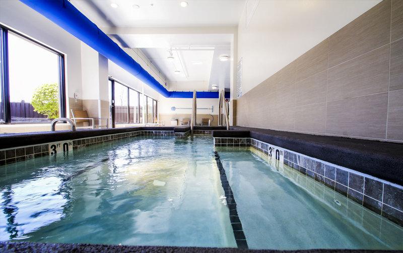 Holiday Inn Milwaukee Riverfront-Whirlpool<br/>Image from Leonardo