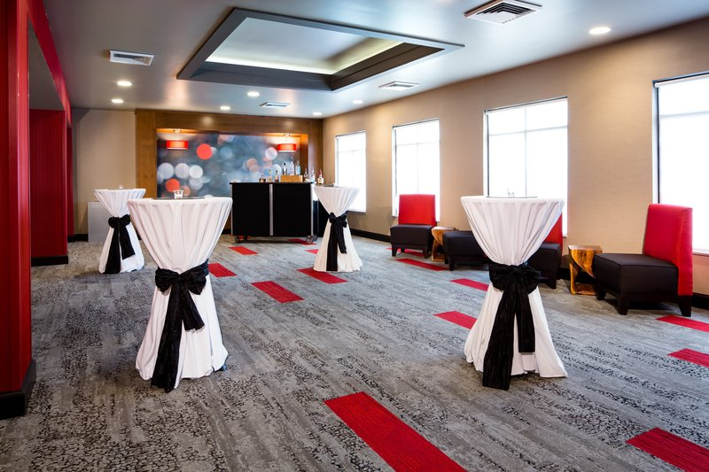 Holiday Inn Milwaukee Riverfront-Pre-function Area<br/>Image from Leonardo