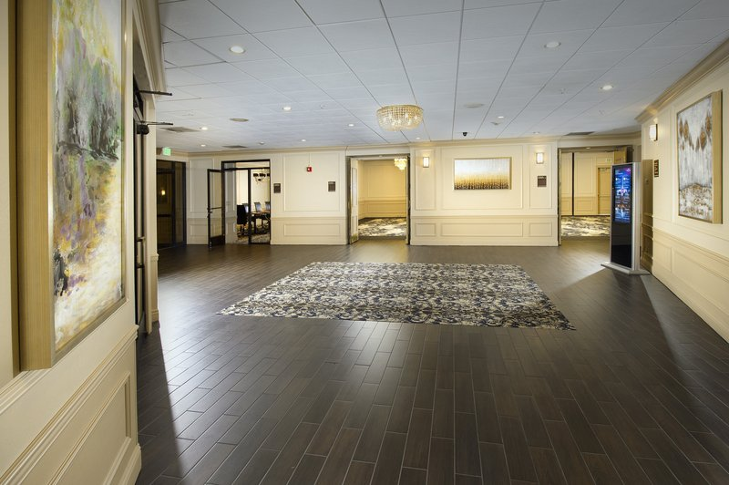 Crowne Plaza Portland-Downtown Conv Ctr-The Windsor Foyer<br/>Image from Leonardo