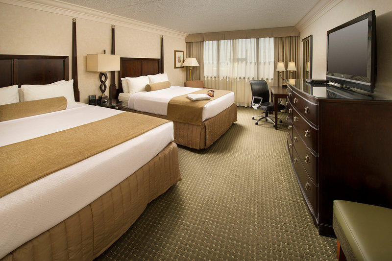 Crowne Plaza Portland-Downtown Conv Ctr-Executive Double Queen Room Crowne Plaza Portland Downtown<br/>Image from Leonardo