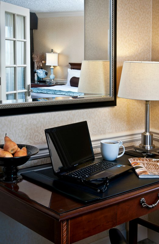 Crowne Plaza Portland-Downtown Conv Ctr-Hollander Suite: Crowne Plaza Portland Downtown Convention Center<br/>Image from Leonardo