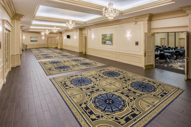 Crowne Plaza Portland-Downtown Conv Ctr-Belmont Foyer<br/>Image from Leonardo