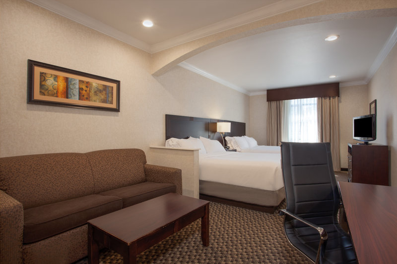 Holiday Inn Express & Suites Davis-University Area-Two Queen Suite<br/>Image from Leonardo